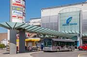 Grosse Shoppingcenter wie hier das Emmen-Center müssen neu Abgeltungen für den öffentlichen Verkehr bezahlen – doch die Verhandlungen sind derzeit blockiert. (Bild Philipp Schmidli)