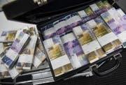 Wofür der Kanton Obwalden Geld ausgeben und wo er einsparen soll? Darüber ist man sich uneins. (Symbolbild Gabriele Putzu / Keystone (30. November 2016))
