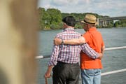 Ältere homosexuelle Männer warten in Deutschland bis heute auf Wiedergutmachung. (Symbolbild Getty)
