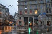 Bis im Oktober war das Stickerei-Fachgeschäft «Au Trianon» hier eingemietet. (Bild: Jonas von Flüe (Luzern, 16. Februar 2018))