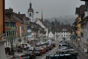 Auf den Strassen des historischen Kerns von Beromünster ist zu den Hauptverkehrszeiten einiges los. Dieses Bild wurde am Freitagnachmittag aufgenommen. (Bild: Boris Bürgisser / Neue LZ)