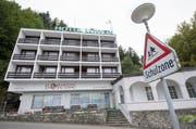 Im Hotel Löwen in Seelisberg werden Asylbewerber einquartiert. (Bild: Keystone / Urs Flüeler)