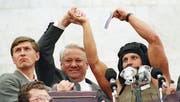 Boris Jelzin beim Putsch gegen Gorbatschow im Jahr 1991. (Bild: Peter Andrews/Reuters (Moskau, 22. August 1991))