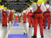 Produktion in einer Fabrik des Autobauers KIA. Die Automobilindustrie ist der grösste Arbeitgeber in der Slowakei. (Archiv) (Bild: Keystone/AP/Petr David Josek)