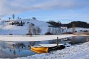 Das gelbe Boot im Winterschlaf, gesehen im Ostergau in Willisau. (Bild: Leserbild Hedy Muff-Ruckli)