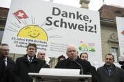 Christoph Blocher spricht bei einem Anlass der SVP. Vor 25 Jahren stimmte die Bevölkerung gegen einen EWR/EU-Vertrag. (Bild: Peter Schneider/Keystone)