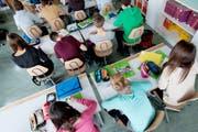 Der Fokus in der Primarschule im Kanton Nidwalden soll auf Mathe und Deutsch liegen. (Symbolbild Neue NZ)