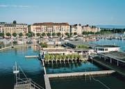 Die Bains des Pâquis sind der beste Ort für einen Apéritif in Genf.