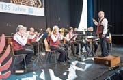 Die Blasmusik Rothenburg gehört zu den vielen Musikformationen, die gestern den Verbandsgeburtstag an der Luga feierten. (Bild: Roger Grütter (Luzern, 30. April 2017))