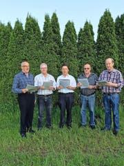 Anton Schwingruber singt mit seinen Brüdern Peter, Franz, Beat und Markus (von links) seine neue Version der Nationalhymne. (Bild: PD)