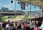 Volksfest in Baar beim 98. Zuger Kantonalen Schwingfest, das mit dem Edlibacher Marcel Bieri ein «Zuger» gewinnt. (Bild: Stefan Kaiser ( 30. April 2017))