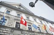 Die Luzerner Regierung will eine flexiblere Schuldenbremse. Auf dem Bild: der Rittersche Palast, das Regierungsgebäude des Kantons Luzern. (Bild: Laura Vercellone (Luzern, 15. März 2010))
