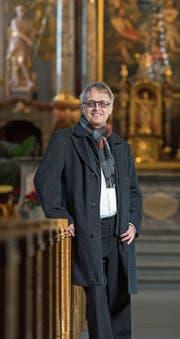 Pfarrer Roland Häfliger (53), neuer Domherr des Bistums Basel, in der Pfarrkirche St. Martin.Bild: Dominik Wunderli (Hochdorf, 15. Februar 2017)