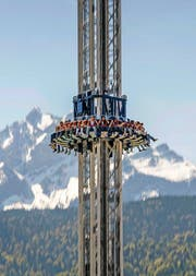 Die grosse Attraktion im Lunapark: der «Spin Tower». (Bild Pius Amrein)