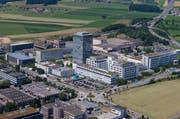 Sicht auf das Areal der Roche Diagnostics in Rotkreuz. (Bild Stefan Kaiser)