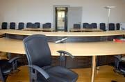 Das Obergericht und Verwaltungsgericht sollen nicht mehr von derselben Person geleitet werden. Im Bild: Der Gerichtssaal im Rathaus in Stans. (Archivbild/Markus von Rotz)