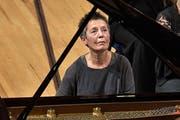 Maria João Pires (72) beim Konzert im KKL. (Bild: Peter Fischli/LF)