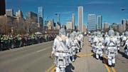 Die Luzerner Guuggenmusig Noggeler an der St. Patrick's Day Parade 2015 in Chicago. (Bild: PD)