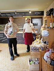Ihre Pastarazzi Spezialitäten kommen auch in Stans an: Benito Omlin (links) und Silvan Rohrer. (Bild Corinne Glanzmann)