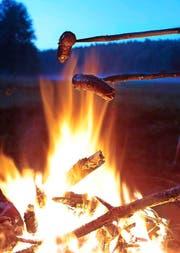 Aufgepasst beim Bräteln im Wald oder am Waldrand: Es herrscht Brandgefahr. (Bild: Getty)