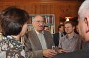Bundesrat Pascal Couchepin beim Gespräch. (Bild Urs Hanhart/Neue UZ)