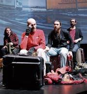Das Exil-Ensemble aus geflüchteten Schauspielern. (Bild: Ute Langkafel)