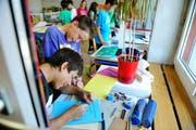 Schüler der 5. und 6. Primarklasse in Nebikon. (Symbolbild Corinne Glanzmann / Neue LZ)