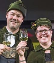 Das neue Hünenberger Eichezunftpaar: Biber I. und Alexandra, die Liebenswürdige. (Bild: Andreas Busslinger (Hünenberg, 20. Januar 2017))