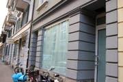 An der Bireggstrasse 20a sind die Scheiben abgedeckt. Dahinter wird fleissig gebaut und eignerichtet. (Bild: Facebook.com/gardist)