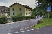 Auf der Sagenmattstrasse in Luzern gilt ab Oktober Fahrverbot für Autos und Motorräder. (Bild: Google Maps)