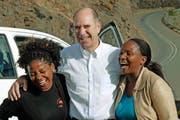 Hat bei seinen Besuchen in Afrika viele neue Bekanntschaften geschlossen: Svend Capol 2013 auf dem Weg in die lesothische Bergregion Thaba-Tseka. (Bild: PD)