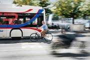 Velofahrer sind gemäss einer Umfrage von Pro Velo Schweiz nicht zufrieden mit der Infrastruktur in der Stadt Luzern. (Bild Roger Grütter)