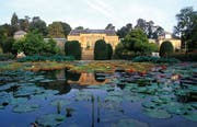 Im Bezirk Bad Cannstatt am Neckar taucht man in eine andere Welt ein, sobald man den zoologisch-botanischen Garten Wilhelma betritt. (Bild: Stuttgart Marketing GmbH)