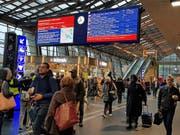 Im Bahnhof Luzern kommt es am Dienstagmorgen zu Einschränkungen im Bahnverkehr. (Bild: Leserbild: Martina Medic (Luzern, 7. November 2017))