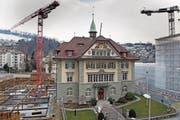 Ausserhalb wie innerhalb des Krienser Gemeindehauses gibt es Baustellen. (Bild: Corinne Glanzmann (26. Februar 2018))
