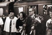 Hans Hürlimann und seine Frau Marie-Theres wurden in verschiedenen Gemeinden empfangen. (Bild: Staatsarchiv des Kantons Zug / Rupy Enzler)
