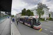 Das RBus-System (hier ein Bus beim Schappecenter) soll ausgebaut werden. (Bild: Pius Amrein (Kriens, 26. Juli 2017))