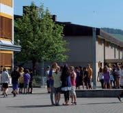 Für diue Reform der Sekundarstufe - im Bild das Schulhaus Ebnet - ist eine Arbeitsgruppe eingesetzt worden. (Bild: PD)