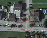 Der Unfall ereignete sich an der Kreuzung Schlossmatte-Dorfstrasse. (Bild: Google Maps)