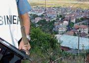 Nach der blutigen Mafia-Abrechnung in Duisburg vor zehn Jahren geriet der 4000-Seelen-Ort erstmals in die Schlagzeilen. (Bild: Franco Cufari/EPA (San Luca, 16. August 2007))