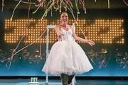 Sopranistin Nicole Chevalier begeisterte in der Oper «La Traviata» unter der Regie des neuen Intendanten Benedikt von Peter. (Bild: Ingo Höhn/Luzerner Theater)