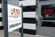 Eingang des regionalen Arbeitsvermittlungszentrum Ob- und Nidwalden in Hergiswil (Archivbild). (Bild Oliver Mattmann)