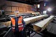 Valentin Stäheli, Leiter Rundholzeinkauf bei der Schilliger AG, steht vor schwierigen Zeiten. (Bild: Nadia Schärli / Neue LZ)