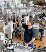 Die Produktionsstätte der Komax in Dierikon. Bild: Corinne Glanzmann (26. Januar 2016)