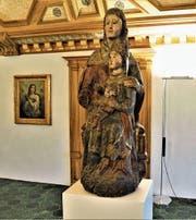 Sie ist das älteste Werk der Ausstellung: die 600 Jahre alte Skulptur «Anna Selbdritt». (Bild: Romano Cuonz (Stans, 10. März 2018))