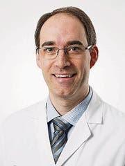 Dr. med. Jeremy P. Howell, FMH für Ophthalmologie (Augenheilkunde), speziell Ophthalmochirurgie, Leitender Arzt, Augenklinik, Luzerner Kantonsspital (Bild: PD)