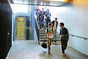 Passanten und Pendler sollen den Rotkreuzer Bahnhof künftig nicht mehr nur durch Unterführungen, sondern auch durch eine Überführung queren können.