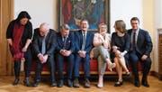 Die Berner Regierung (von links): Christine Häsler (Grüne, neu), Pierre Alain Schnegg (SVP), Christoph Ammann (SP), Christoph Neuhaus (SVP), Beatrice Simon (BDP), Evi Allemann (SP, neu), Philippe Müller (FDP, neu). (Bild: Anthony Anex/Keystone (Bern, 25. März 2018))