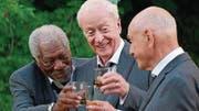 Auch geniale Schauspieler wie Morgan Freeman (links) und Michael Caine können diesen Film nicht wirklich retten. (Bild: PD)
