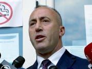 Neuer Regierungschef des Kosovo ist der ehemalige Rebellenkommandant Ramush Haradinaj. Er regiert mit einer hauchdünnen Mehrheit. (Archiv) (Bild: KEYSTONE/AP/VISAR KRYEZIU)
